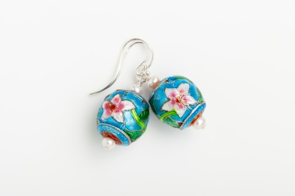 SKY BLUE ENAMEL FLOWER & PEARL EARRINGS