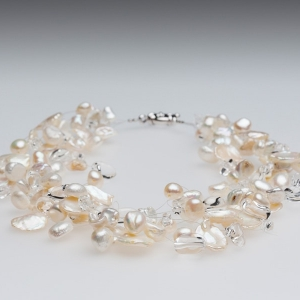 FLOATING WHITE KESHI PEARL NECKLACE