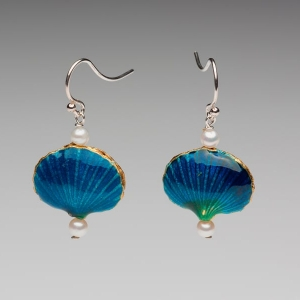 ENAMEL SHELL & PEARL EARRINGS - TEAL BLUE