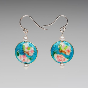ENAMEL DISC & PEARL EARRINGS