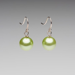 APPLE GREEN SEASHELL PEARL EARRINGS