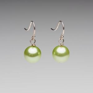 APPLE GREEN SEASHELL PEARL EARRINGS