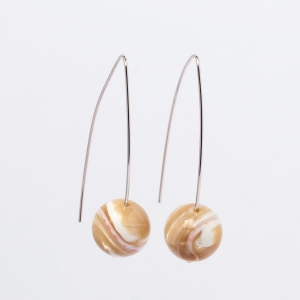 CARAMEL MOTHER OF PEARL EARRINGS - 5CM DROP
