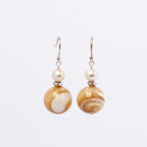 CARAMEL MOTHER OF PEARL EARRINGS - ONE SPACER
