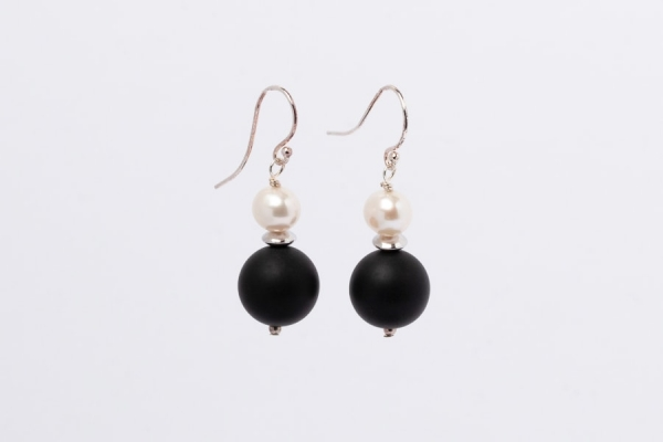 MATT BLACK ONYX AND PEARL EARRINGS - 12MM