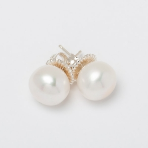 WHITE BUTTON PEARL STUD EARRINGS - 11MM