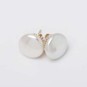 WHITE COIN PEARL STUD EARRINGS - 13MM