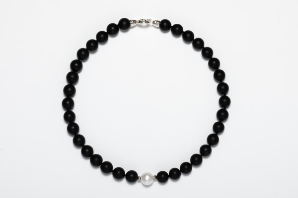 MATT BLACK ONYX AND PEARL NECKLACE - 12MM