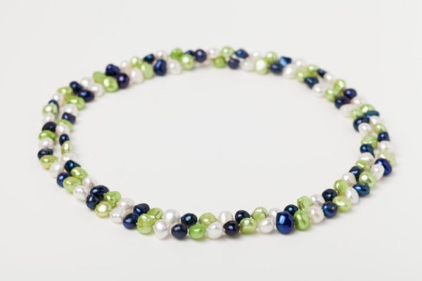 WHITE, LAPIS BLUE AND APPLE GREEN POTATO PEARL LOOP NECKLACE