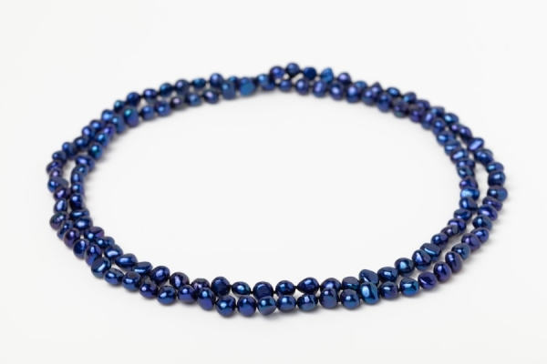 LAPIS BLUE POTATO PEARL LOOP NECKLACE