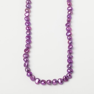 MAGENTA POTATO PEARL LOOP NECKLACE