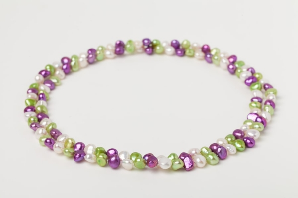 MAGENTA, APPLE GREEN AND WHITE POTATO PEARL LOOP NECKLACE