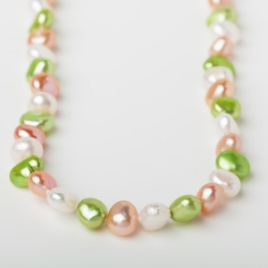 PINK, WHITE AND APPLE GREEN POTATO PEARL LOOP NECKLACE