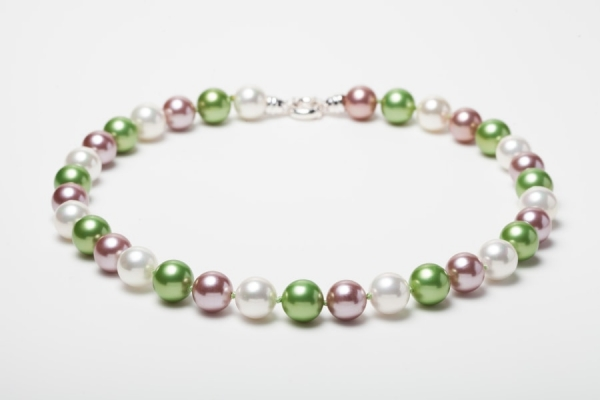 WHITE, SOFT PINK AND APPLE GREEN SEASHELL PEARL NECKLACE