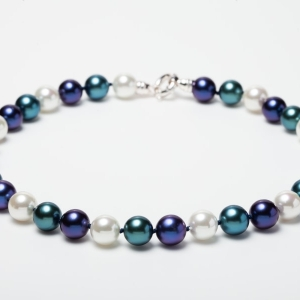 WHITE, LAPIS BLUE AND TEAL BLUE SEASHELL PEARL NECKLACE