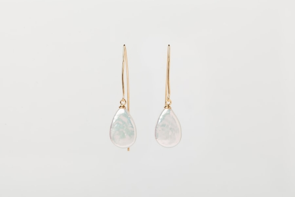 WHITE TEAR DROP PEARL EARRINGS - GOLD PLATED HOOKS