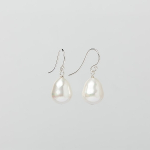 WHITE SEASHELL TEARDROP PEARL EARRINGS - 12MM