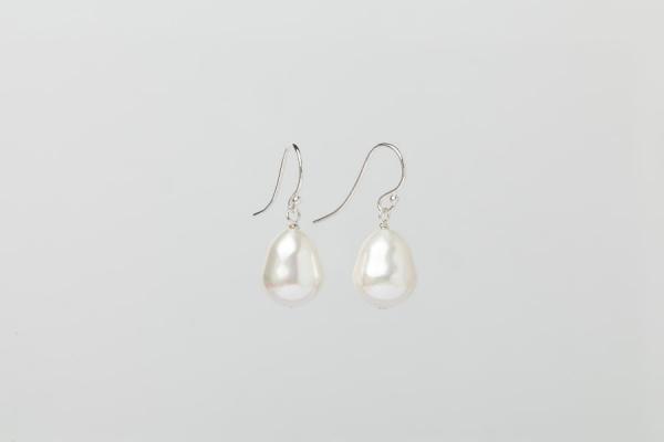 WHITE SEASHELL TEARDROP PEARL EARRINGS - 12MM