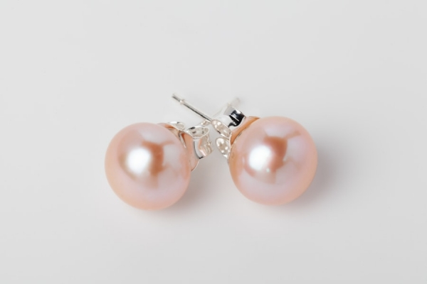 PINK BUTTON PEARL STUD EARRINGS - 9MM