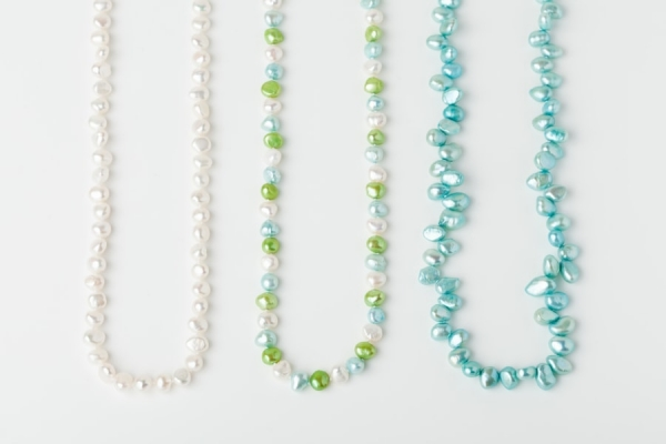 WHITE, APPLE GREEN AND AQUA BLUE PEARL LOOP NECKLACES