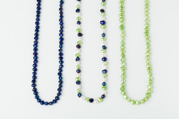 LAPIS BLUE, WHITE AND APPLE GREEN POTATO PEARL LOOP NECKLACES