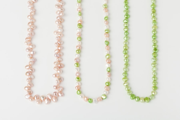 PINK, WHITE AND APPLE GREEN PEARL LOOP NECKLACES