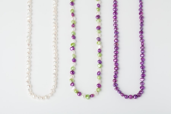 WHITE, APPLE GREEN AND MAGENTA POTATO PEARL LOOP NECKLACES