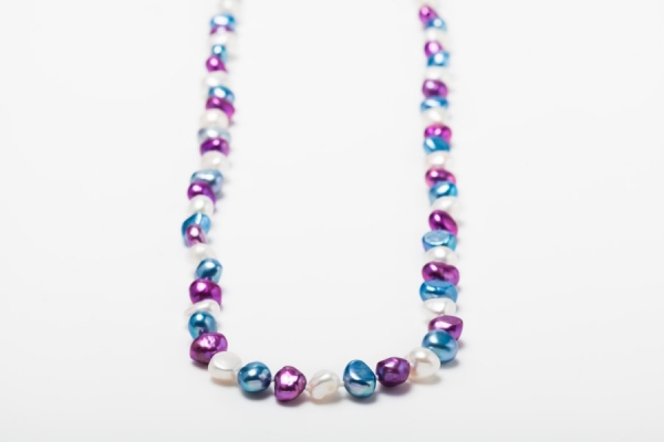 MAGENTA, SKY BLUE AND WHITE POTATO PEARL LOOP NECKLACE