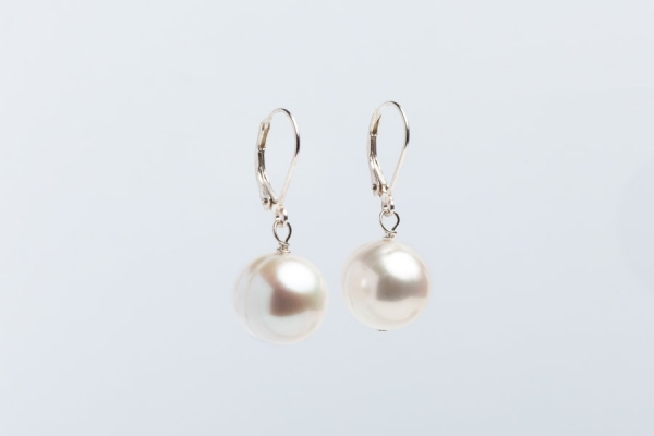 WHITE BAROQUE PEARL EARRINGS WITH LEVERBACK FITTING