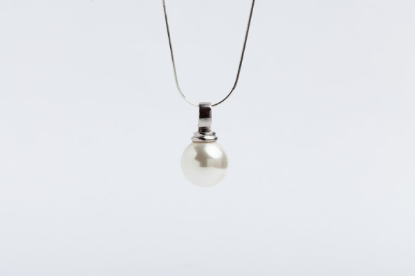 16MM WHITE SEASHELL PEARL PENDANT WITHOUT CHAIN