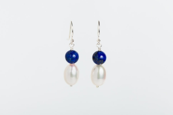 WHITE FRESHWATER OVAL PEARL AND LAPIS EARRINGS