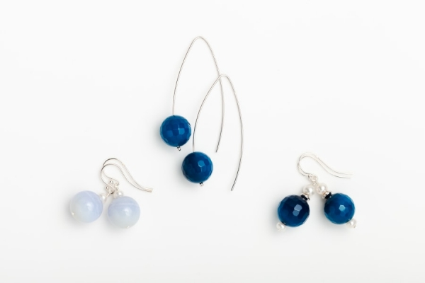 BLUE MARINE QUARTZ AND CHALCEDONY EARRINGS