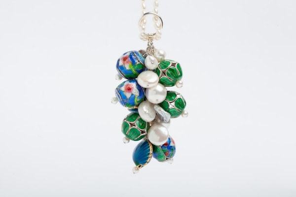 PEARL CHARM NECKLACE WITH EMERALD GREEN & BLUE ENAMEL BEADS