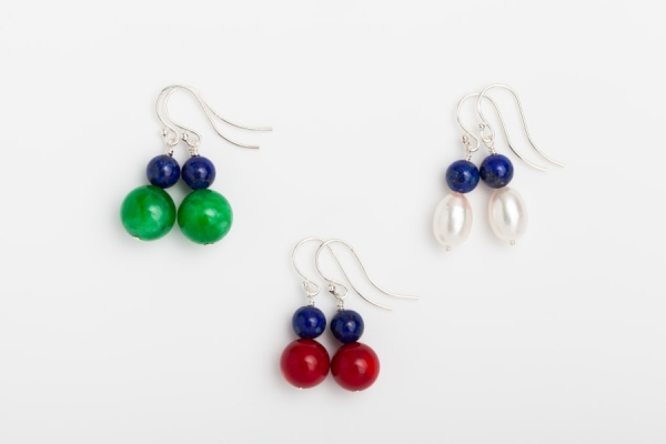 JADE, RED CORAL AND WHITE FRESHWATER OVAL PEARL EARRINGS WITH LAPIS