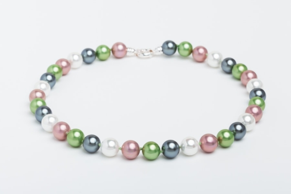 DUSKY PINK, GREEN, GREY AND WHITE SEASHELL PEARL NECKLACE