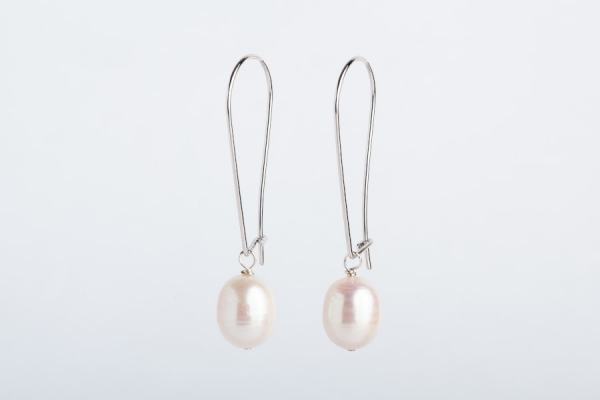 WHITE OVAL PEARL EARRINGS - LONG DROP