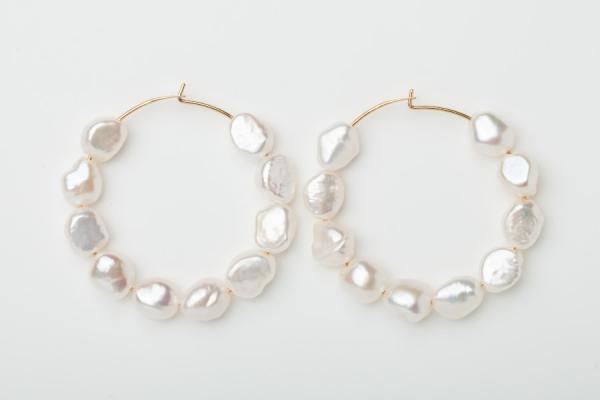 GOLD PLATED HOOP EARRINGS - 10 FRESHWATER PEARLS