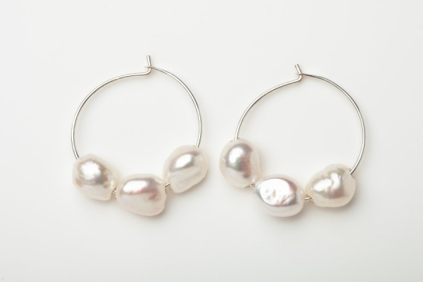 STERLING SILVER HOOP EARRINGS - 3 FRESHWATER PEARLS