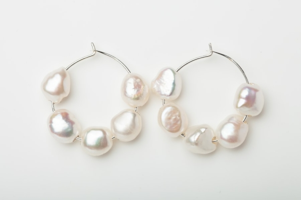 STERLING SILVER HOOP EARRINGS - 5 FRESHWATER PEARLS